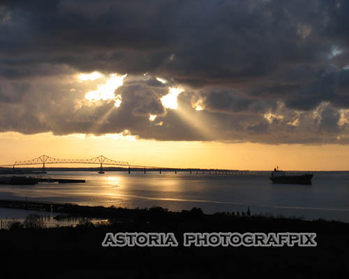 SM-140, storm, sunset, clouds, columbia river, ships, astoria bridge, astoria, oregon