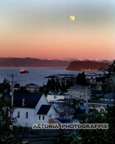 SM-380, moon, afternoon, ships, columbia river, tongue point, hillside, astoria, oregon