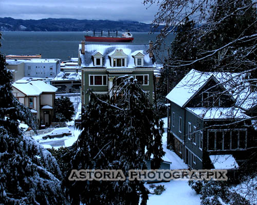 SM-399, Astoria Photografpix, snow, oregon, ship, columbia river, evening, rooftops, waterfront, winter